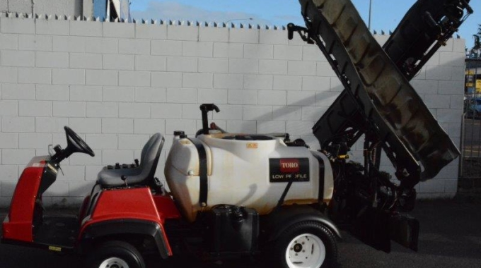 Toro Multipro 1250 sprayer with sonic boom